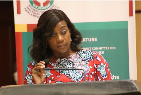 L'épouse du président libérien plaide en faveur de mesures plus déterminantes pour mettre un terme aux violences faites aux femmes