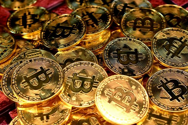 Two Experts Dig into Cryptocurrencies
